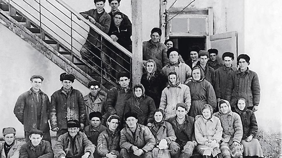 23 октября 1958 года вышло Постановление Совета народного хозяйства Ставропольского экономического района №105 об организации Воронцово-Александровского завода низковольтной аппаратуры «Ставэлектроаппарат» в г. Zelenokumsk.